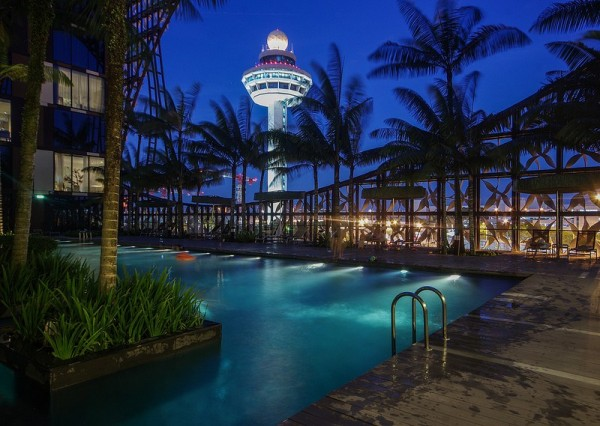 World's ostentatious Airport hotel, 'Crowne Plaza Changi Airport'.